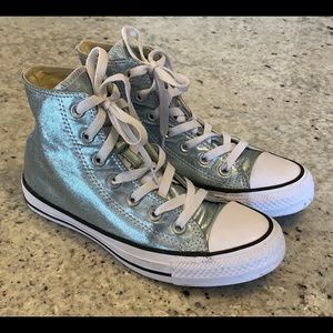 Converse High Top Tennis Shoe Size 6 woman's